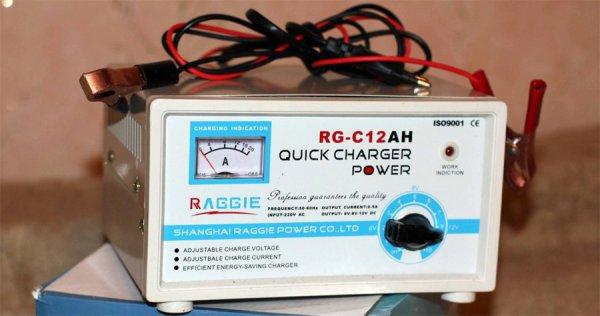 Как правильно зарядить автомобильный аккумулятор?